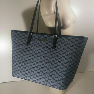 Michael Kors Large CarryAll Tote Jet Set Travel